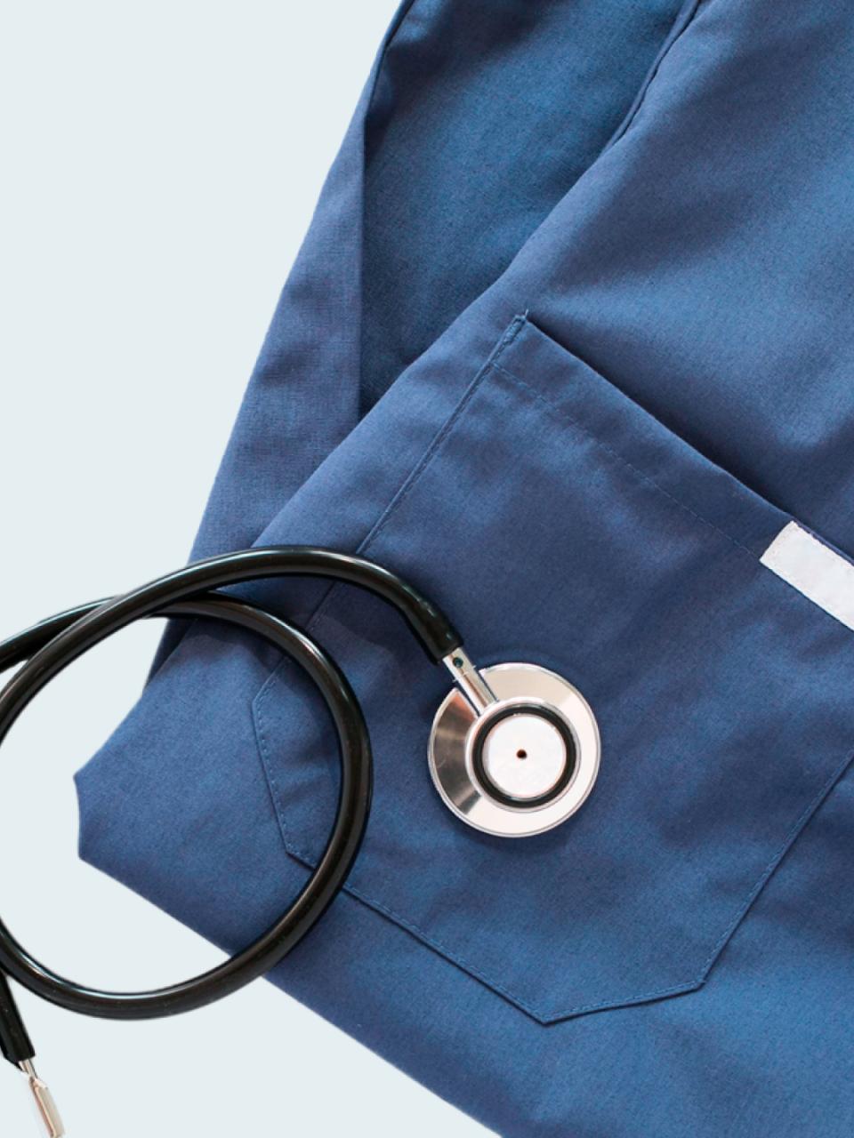 Data analysis app for medical garment usage prediction